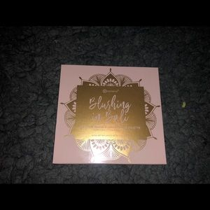 BH COSMETICS BLUSHING IN BALI PALETTE -GENTLY USED